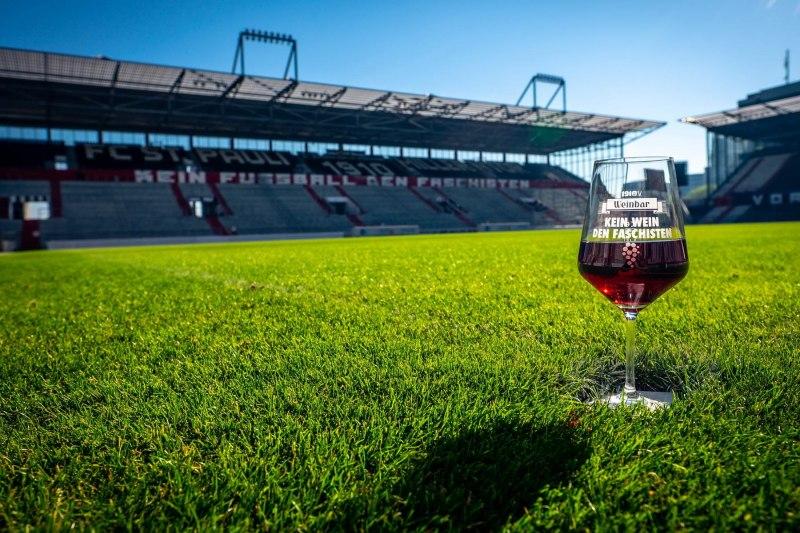 Rotweinrasen - Kein Wein den Faschisten