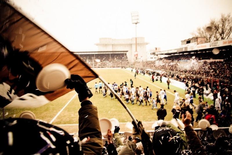 Einlauf beim Heimspiel gegen Alemanni Aachen